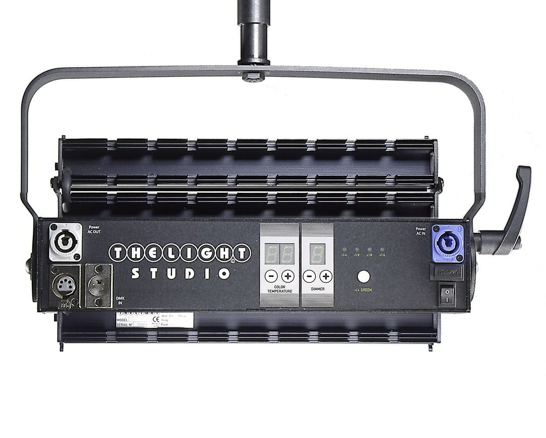 4LIGHT-STUDIO rear