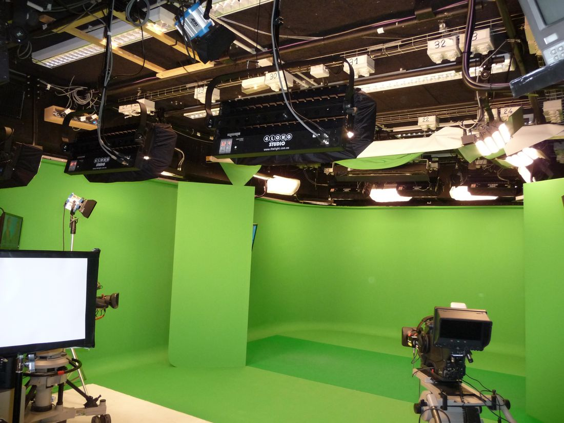 france-tv-studio-f-lumix-1
