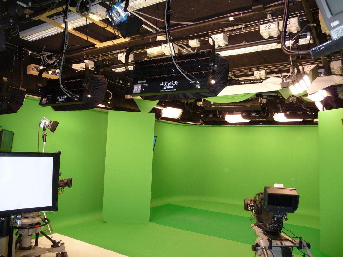 FRANCE TV  STUDIO F LUMIX 1
